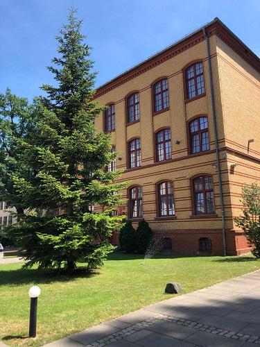Schoolgebouw Duitse taalschool GLS