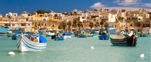Vissersbootjes tijdens taalreis op Malta