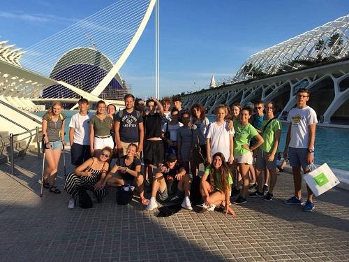 Groep van de jongerencursus Spaans